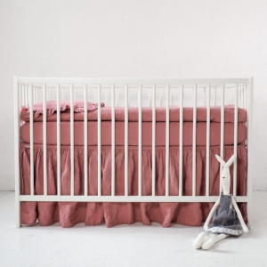 Lniana falbanka do łóżeczka dusty pink