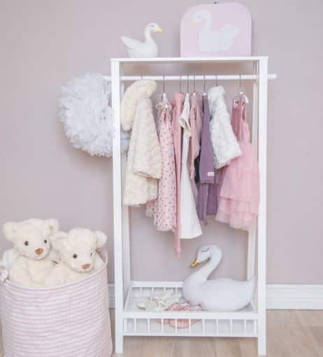 garderoba3 2 - Wieszak na ubrania do pokoju dziecka