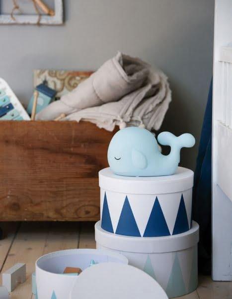 photo whale storage blue 1 467x600 - Lampka nocna dla dzieci wieloryb