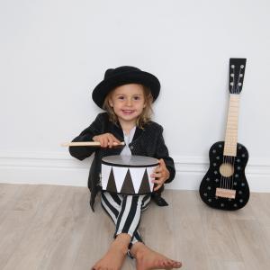 Photo Drum Rock Star 1 300x300 - Drewniana czarna gitara