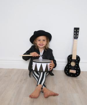 Photo Drum Rock Star 300x360 - Drewniany czarny bębenek