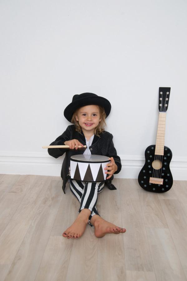 Photo Drum Rock Star 600x900 - Drewniany czarny bębenek