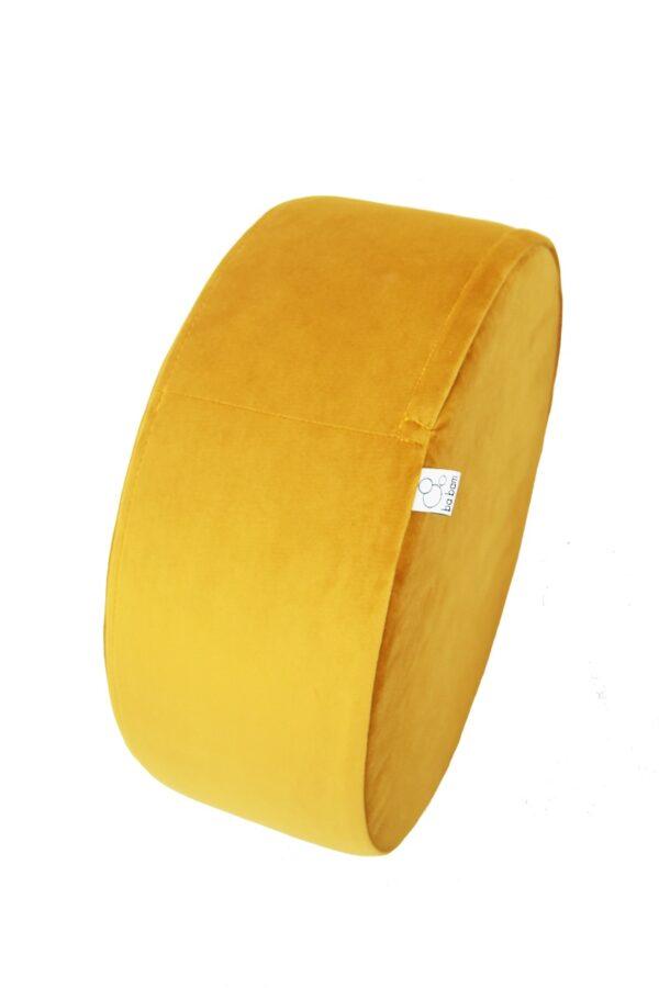 02 resized 600x900 - Okrągła pufa Small żółty welur