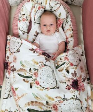 20190118 103531 1 300x360 - Kocyk niemowlęcy łapacz snów róż
