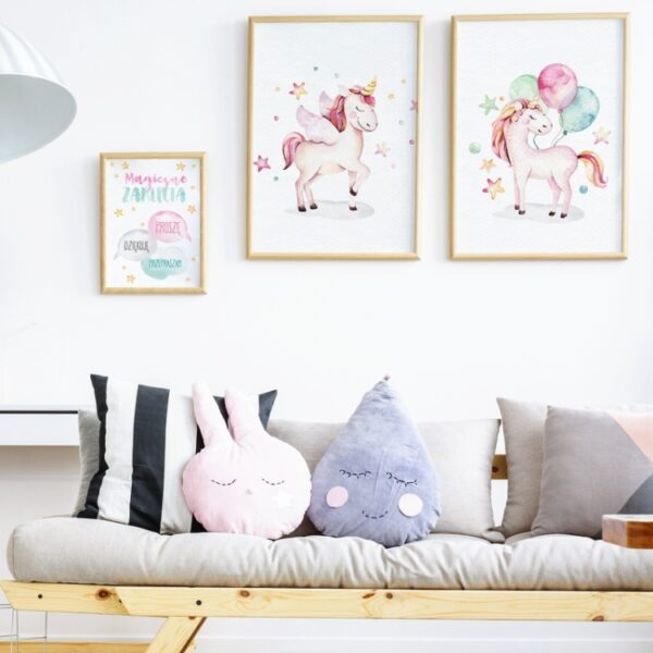 3 max 23 600x600 - Plakat na ścianę jednorożec z balonami P043
