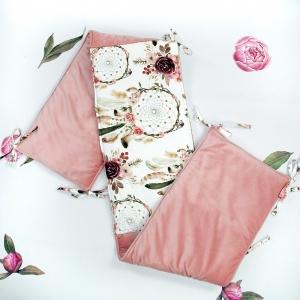 DSC07833 2 300x300 - Wyprawka dla niemowlaka różowa