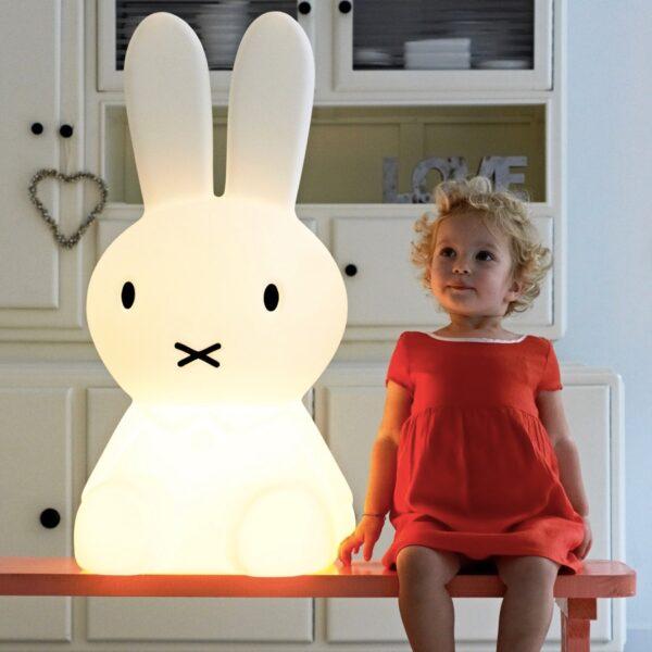 nijntjegrootaan5 600x600 - Lampa Miffy XL Mr Maria