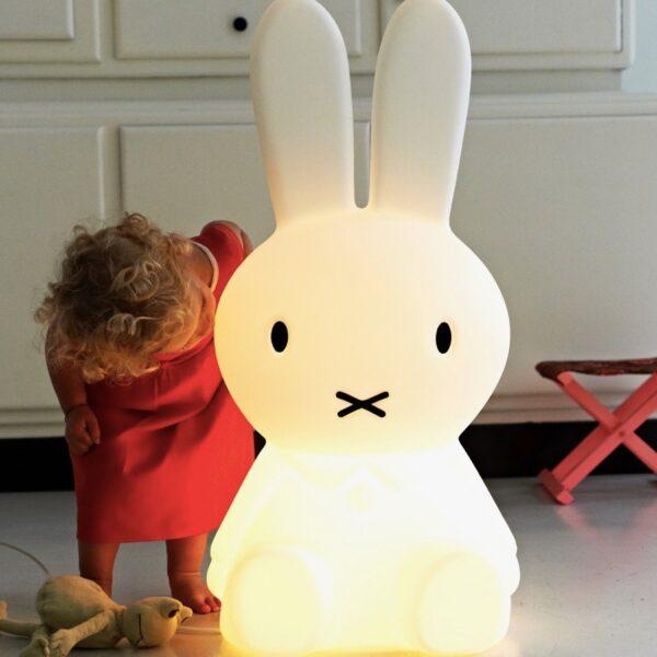 nijntjegrootaan9 600x600 - Lampa Miffy XL Mr Maria