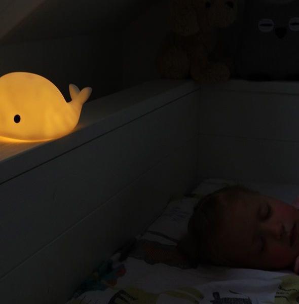 pol pl Flow Amsterdam Lampka Nocna LED Wieloryb Moby 691 16 590x600 - Lampka nocna LED wieloryb Moby