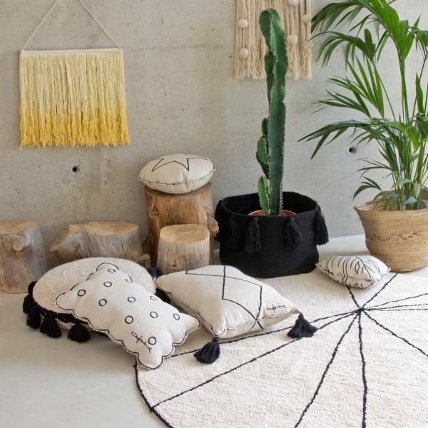 okrągły dywan beżowy do pokoju dziecka