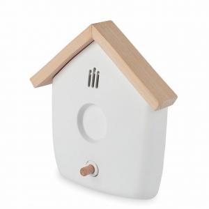 czujnik dymu w kształcie domku