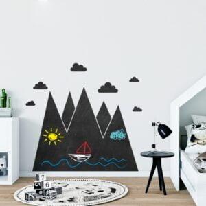 Naklejka tablicowa na ścianę góry i chmurki