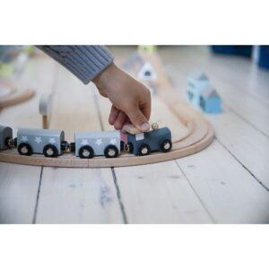 drewniana kolejka dla dzieci