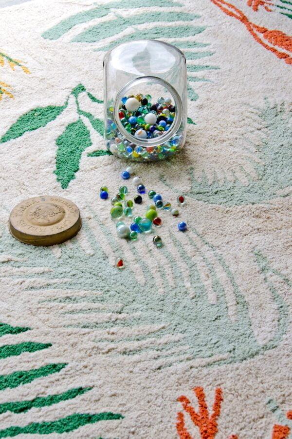 nIuQ43Uc 600x900 - Dywan dla dzieci botaniczne rośliny