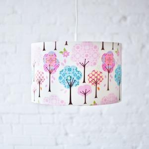 lampa wisząca do pokoju dziecka drzewka