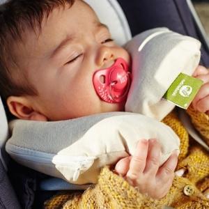 poduszka korekcyjna pod szyję dla niemowląt