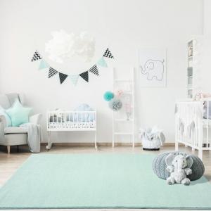 Miętowy dywan do pokoju dziecka