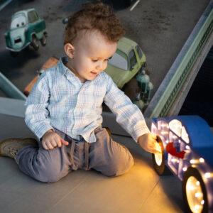Lampka dziecięca monster truck
