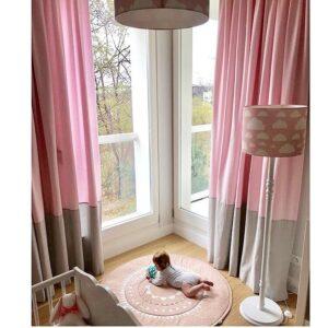 Lampa podłogowa w chmurki różowa