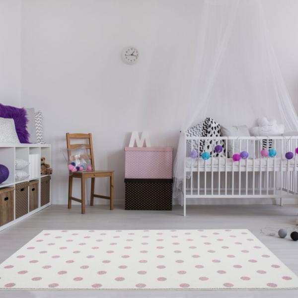 eJB f5w 600x600 - Dywan dla dzieci kremowy w różowe kropki