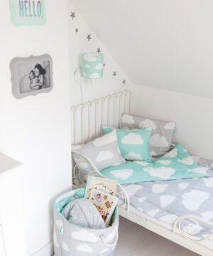 Poduszka dla dzieci w chmurki