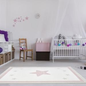 Dywan do pokoju dziecka z gwiazdą różowy