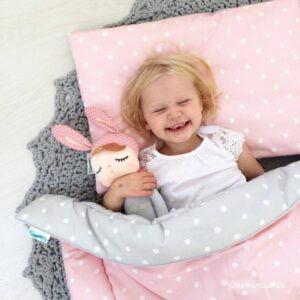 Pościel dla dzieci różowa z szarym w kropki