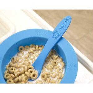 oogaa blue bowl lid silikonowa miseczka z pokrywka 5 300x300 - Miseczka dla dzieci z pokrywką niebieska