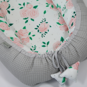 Kokon niemowlęcy Cottonwaffel Roses