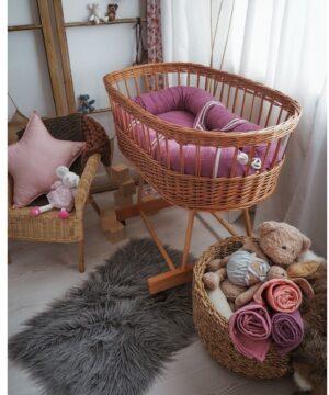 hi little one kokon gniazdko dla noworodka z oddychajacego muslinu newborn nest lavender 2 300x360 - Kokon dla noworodka lavender