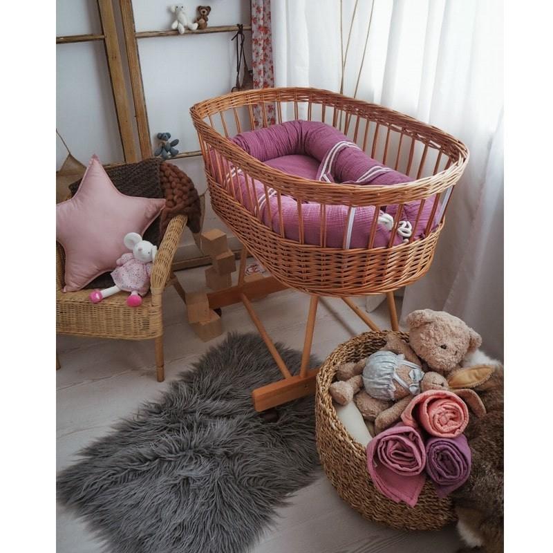 hi little one kokon gniazdko dla noworodka z oddychajacego muslinu newborn nest lavender 2 - Ten produkt sprawi, że dziecko będzie szybko zasypiało