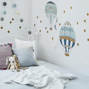 Naklejki na ścianę balony to dwa ozdobne balony, lekko w stylu retro. Szukaliśmy takich wzorów bardzo długo, ale wreszcie znaleźliśmy takie, któe sprostały naszym oczekiwaniom.