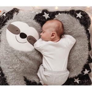 bizzi growin sensoryczny kocyk z aplikacja leniwiec sydney 6 300x300 - Kocyk dla dzieci leniwiec