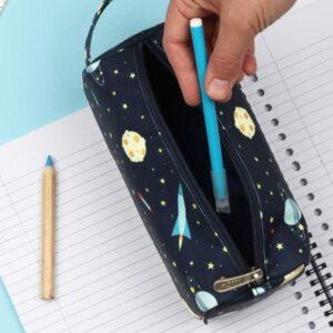 Piórnik dla dziecka kosmos