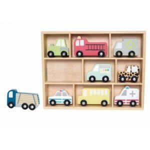 Drewniana półka z samochodami