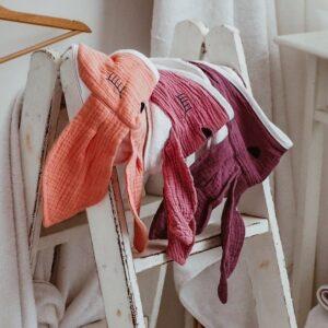Ręcznik dla dziecka Sleepy Bunny Strawberry