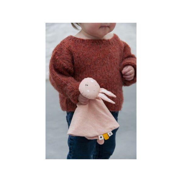 mrs rabbit szmatka przytulanka 600x600 - Królik przytulanka dla niemowlaka