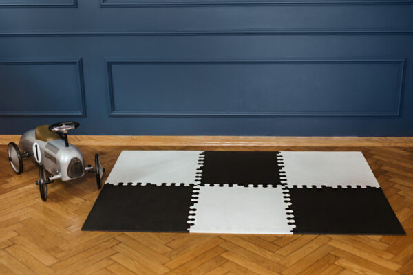 4. XL bialo czarna 600x400 - Mata do zabawy dla dzieci czarna XL