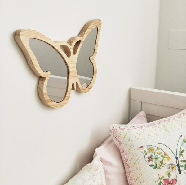 Drewniane luterko dla dziecka motyl