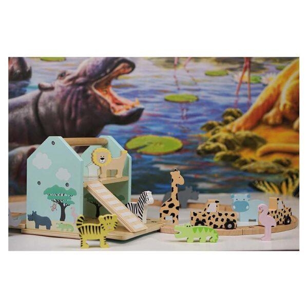 Drewniany tor ze zwierzętami safari