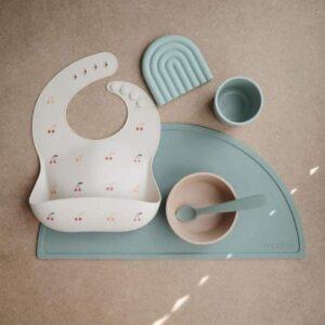 mushie podkladka silikonowa na stol stone 2 300x300 - Podkładka na stół dla dziecka Stone